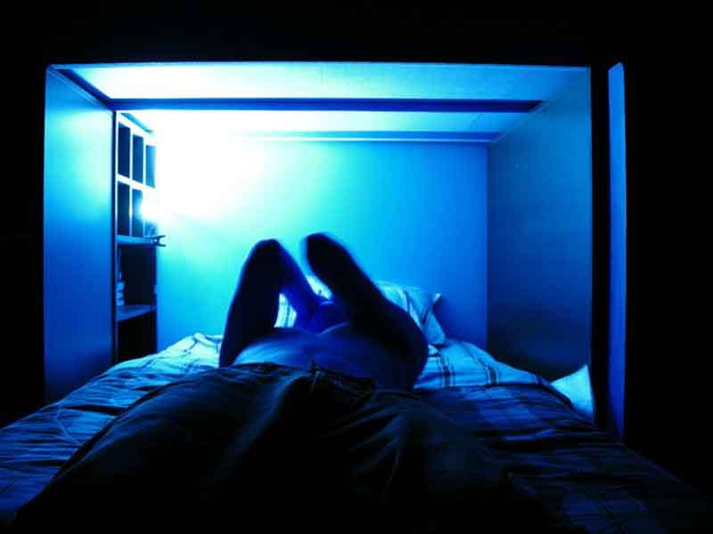 blue-light-ruins-your-sleep